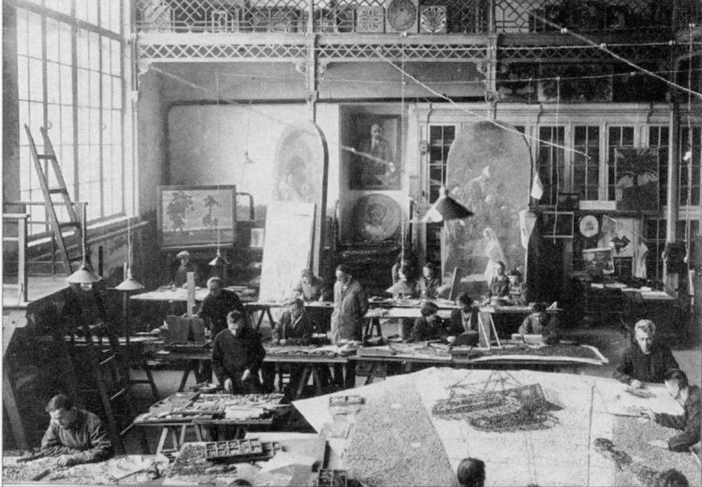 Павелецкой в мастерской мозаиками Фролов